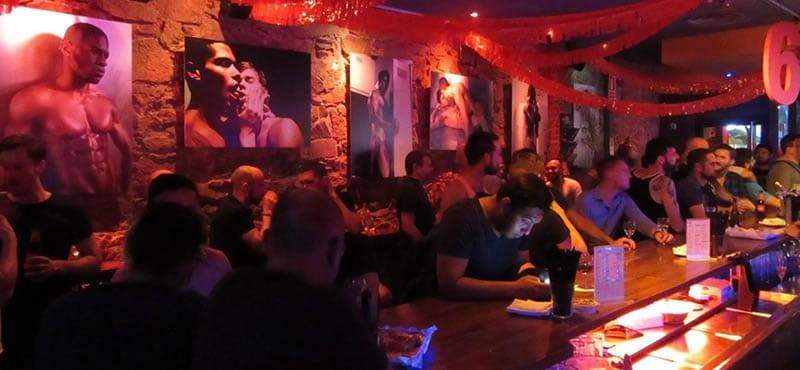 Night Barcelona gay bar
